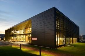 """STIEBEL ELTRON: Kommunikationszentrum """"Energy Campus"""" offiziell eröffnet / Ein Reallabor für die Energiewende"""