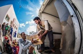 Help - Hilfe zur Selbsthilfe e.V.: Weltgipfel für Humanitäre Hilfe - Motor der Selbsthilfe in Fahrt bringen / Help steht vor Ort für Interviews bereit