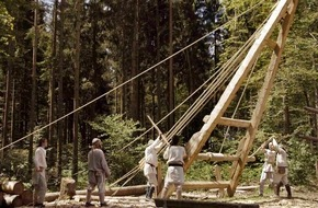 """SWR - Südwestrundfunk: """"Abenteuer Klosterstadt Meßkirch"""" im SWR Fernsehen 45-minütiger Film über ein mittelalterliches Bauexperiment / am 8. Mai, 20:15 Uhr"""