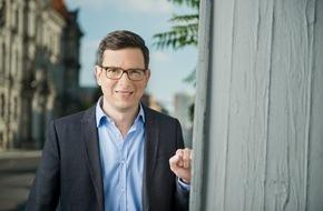 """ZDFinfo: """"Leipzig '89"""" und """"Ringen um die Deutsche Einheit"""": Zwei neue Folgen der ZDFinfo-Reihe """"Geschichte treffen"""" mit Wolf-Christian Ulrich"""
