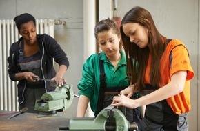 Ford-Werke GmbH: Seit 20 Jahren fördern Ford Ingenieurinnen weiblichen Nachwuchs