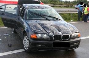 Polizeidirektion Kaiserslautern: POL-PDKL: A6/Kaiserslautern, Pkw überschlägt sich - Fahrerin schwer verletzt