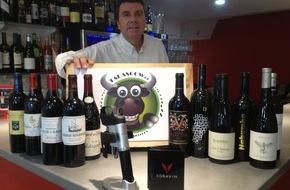 Creanet Sàrl: TapasCow.ch - Déguster des vins sans déboucher la bouteille ! / Unique en Suisse, le TapasCow, permet d'accéder à des vins hauts de gamme au verre !