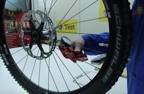 Touring Club Schweiz/Suisse/Svizzero - TCS: TCS testet E-Mountainbikes