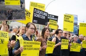 Amnesty International: Bilder zur Amnesty-Kundgebung für den Schutz von Flüchtlingen am 13.9. in Berlin