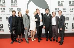 Constantin Film: ER IST WIEDER DA feiert große Weltpremiere in Berlin / Mehrfacher Szenenapplaus für die Bestsellerverfilmung
