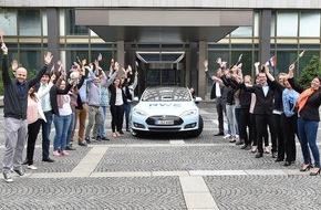 RWE Deutschland AG: RWE erfährt mit Tesla den europäischen Sommer / Go & See Tour zu Gast in sieben Ländern