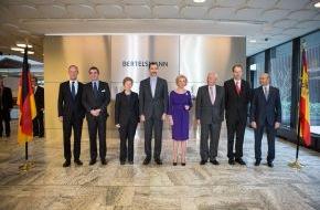 Bertelsmann SE & Co. KGaA: Bertelsmann geehrt vom Besuch Seiner Majestät König Felipe VI. von Spanien