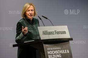 DIE ZEIT: Bundesbildungsministerin Johanna Wanka: Kooperationen von Wissenschaft und Wirtschaft stärken