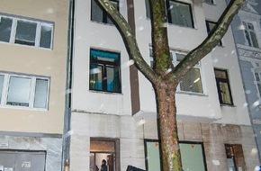 """Polizei Düsseldorf: POL-D: """"Riegel vor! - Keine Chance für Einbrecher!"""" - Lokaler Aktionstag der Düsseldorfer Polizei im vollen Gange - Erste Erfolge bereits gestern Nachmittag - Bislang 16 Festnahmen - 250 Beamte im Einsatz"""