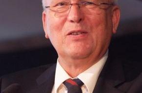 """DLRG - Deutsche Lebens-Rettungs-Gesellschaft: Dr. Klaus Wilkens feiert 70. Geburtstag / """"Ehrenamtliches Engagement braucht mehr Akzeptanz und Unterstützung."""""""