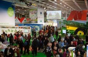 Fördergemeinschaft Nachhaltige Landwirtschaft: ErlebnisBauernhof auch 2014 ein voller Erfolg - Verbraucher nehmen Dialogangebot der Partner des ErlebnisBauernhofs hervorragend an