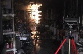 Freiwillige Feuerwehr Lage: FW Lage: Brand in Geschäft in der Lagenser Innenstadt