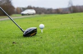 HUK-Coburg: Wann muss Golfer zahlen? / Ungewöhnliche Flugbahn: Golfball trifft Heckscheibe - ohne Verschulden keine Haftung