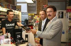 Philip Morris GmbH: Illegaler Zigarettenhandel bedroht 10200 Arbeitsplätze