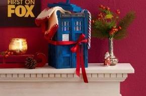 """Fox International Channels: DIY-Geschenkidee für """"Doctor Who""""-Fans zu Weihnachten: Zeitmaschine Tardis zum Selberbauen"""