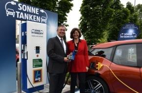 RWE Effizienz GmbH: Günstig einkaufen - kostenlos Strom tanken / ALDI Süd nimmt in München kostenfreie Schnellladesäulen für Elektrofahrzeuge in Betrieb