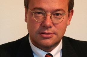 Asklepios Kliniken: Asklepios Kliniken: Wechsel im Vorsitz der Aufsichtsgremien steht an / Prof. Dieter Feddersen übergibt Staffelstab an Dr. Stephan Witteler