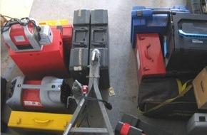 Polizeidirektion Hannover: POL-H: Uetze: Polizei stellt hochwertiges Werkzeug in Waldstück sicher