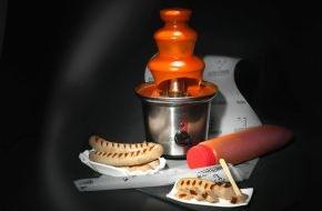 Schulte-Sohn: Tauchen Sie ein in die sprudelnste Idee des Jahres / Der Currywurstbrunnen von Premium-Steakspezialist Gourmetfleisch.de - auch als Weihnachtsgeschenk ein Muss für echte Currywurst-Helden