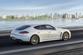 Porsche Schweiz AG: Debüt im Reich der Mitte: Porsche Panamera erstmals mit Plug-in-Hybrid-Antrieb und als Langversion / Porsche-Vorstandschef Matthias Müller präsentiert neue Gran Turismo-Generation in Shanghai