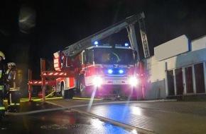 Feuerwehr Heiligenhaus: FW-Heiligenhaus: Großbrand fordert 150 Einsatzkräfte (Meldung 10/2016)