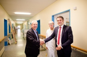 Asklepios Kliniken: Asklepios Klinikum Harburg hilft Flüchtlingen