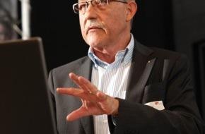 pr suisse: L'Assemblée générale 2013 de pr suisse: Peter Eberhard est élu président