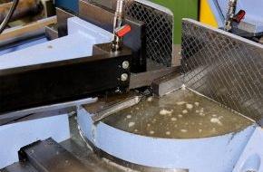 GELITA AG: Durchbruch-Innovation: Schmieren mit funktionellen Proteinen / GELITA entwickelt neuen Grundstoff für ölfreie, biologisch abbaubare Kühlschmierstoffe