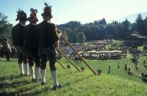 ALPBACHTAL SEENLAND Tourismus: Schottische Highlander feiern Tiroler Tradition