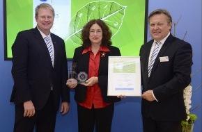 AIDA Cruises: AIDA für umweltfreundliches Flottenmanagement mit Green Fleet Award ausgezeichnet / Mit Carsharing spart die Reederei jährlich 1,7 Tonnen CO2 pro Auto ein