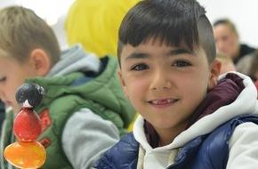 """Stiftung der Deutschen Wirtschaft (sdw): Drei Stiftungen laden zum Praxisforum ein: """"Schule im Einwanderungsland Deutschland gestalten"""""""