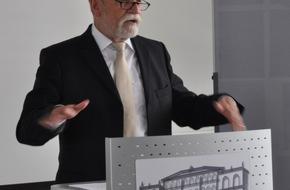 Polizeipräsidium Westpfalz: POL-PPWP: Kaiserslautern: Kripo-Chef in den Ruhestand verabschiedet