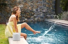 Panasonic Deutschland: Perfekter Sound für drinnen und draußen / Ob Küche, Bad, Pool oder Garten: Der wasserdichte Wireless Speaker ALL05 von Panasonic sorgt überall für beste Laune