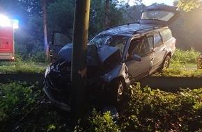 Feuerwehr Plettenberg: FW-PL: Schwerer Verkehrsunfall auf Bundesstraße 236 in Plettenberg