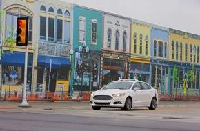 """Ford-Werke GmbH: Als erster Autohersteller testet Ford autonome Fahrzeuge in """"Mcity"""" - dem urbanen Testlabor der Universität von Michigan"""