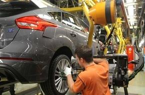Ford-Werke GmbH: Ford-Werk in Saarlouis baut schnellstes RS-Modell des Herstellers: Serienproduktion des Ford Focus RS gestartet