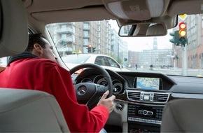 AUTO BILD: AUTO BILD: Sichtbehinderung - Autohersteller verbauen Frontscheiben / Klobige Assistenzsysteme versperren den Blick / Verbauungen häufig so groß wie ein DIN-A4-Blatt