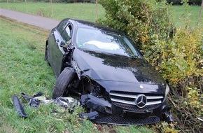 Polizeidirektion Kaiserslautern: POL-PDKL: Fahrer bleibt bei Unfall unverletzt