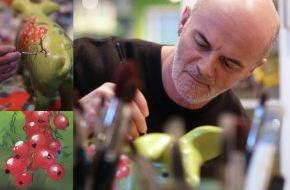 Deutscher Bauernverband (DBV): Kunst im Stall begeistert Publikum - Designer Lutz Mader auf dem ErlebnisBauernhof (mit Bild)