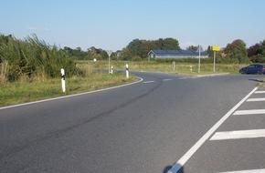 Polizeiinspektion Cuxhaven: POL-CUX: 22-jähriger Motorradfahrer stürzt auf Ölspur - Polizei sucht Verursacher