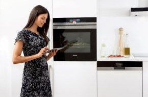 """Siemens-Electrogeräte GmbH: Siemens Hausgeräte sind """"on"""" / Zur IFA präsentiert Siemens die ersten connectivity-fähigen Hausgeräte / Steuerung per Smartphone oder Tablet (FOTO)"""