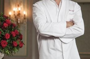 Grand Hotel Les Trois Rois: Peter Knogl erhält Schweizer Kochbuchauszeichnung  Der charismatische Sternekoch Peter Knogl hat mit seinem ersten Kochbuch «ma cuisine passionnée» den «Schweizer Kochbuch-Oscar» erhalten.