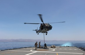 """Presse- und Informationszentrum Marine: Bordhubschrauber """"Sea Lynx"""" wieder im Einsatz (FOTO)"""
