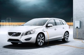 Volvo Car Switzerland AG: Volvo Cars innove avec la nouvelle génération d'hybrides: La Volvo V60 hybride «plug-in» - 3 voitures en 1