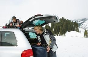 CosmosDirekt: Auf dem Weg in den Ski-Urlaub von Gepäckbox getroffen (FOTO)
