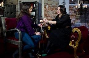 """sixx GmbH: """"Paula kommt!"""" - wieder: sixx zeigt die neue Staffel des Sex-Talks mit Erotik-Expertin Paula Lambert ab Montag, 28. April 2014, um 22.15 Uhr"""