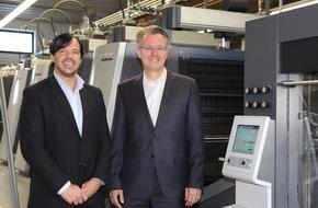 Onlineprinters GmbH: diedruckerei.de begrüßt 500 000. Kunden / Onlinedruckerei meldet Rekordjahr - Millionenbeträge investiert