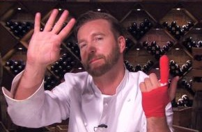 "SAT.1: Finger-Food! Niels Ruf in der Notaufnahme, das Ende in ""Hell's Kitchen""? 5. Folge am 4. Juni 2014 in SAT.1"
