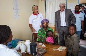 Johanniter Unfall Hilfe e.V.: Außenminister Steinmeier besucht Gesundheitsstation der Johanniter in der Demokratischen Republik Kongo / Johanniter sichern Versorgung für mehr als 9000 Menschen in Kibati